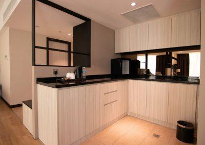 superior-suite-kitchen